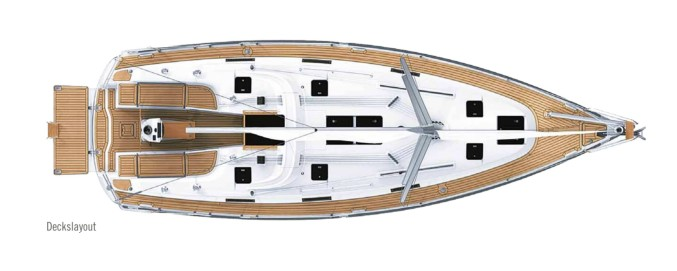 Bavaria Cruiser 36 - deck.jpg